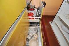 食器は引出しに収納。(2010-06-09,共用部,KITCHEN,1F)