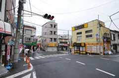 JR埼京線板橋駅からシェアハウスへ向かう道の様子。(2010-06-09,共用部,ENVIRONMENT,1F)