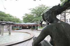JR埼京線板橋駅前の銅像。(2010-06-09,共用部,ENVIRONMENT,1F)
