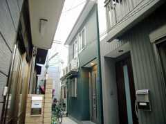 シェアハウス外観。(2007-12-12,共用部,OUTLOOK,1F)