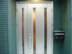 シェアハウスの正面玄関。(2007-12-12,周辺環境,ENTRANCE,1F)