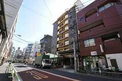 マンションの外観。シェアハウスは8Fの1室です。(2013-03-11,共用部,OUTLOOK,1F)