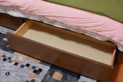 ベッドは引き出し付き。(204号室)(2020-09-30,専有部,ROOM,2F)