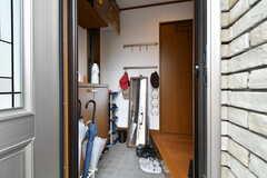 玄関から見た内部の様子。(2020-06-04,周辺環境,ENTRANCE,1F)