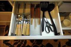 収納されたキッチンカトラリーの様子。(2011-04-01,共用部,KITCHEN,1F)