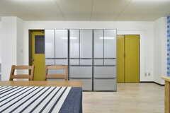 冷蔵庫は3台設置されています。(2018-01-15,共用部,LIVINGROOM,2F)