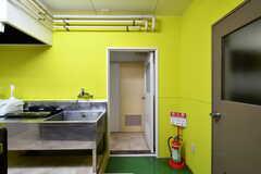 ドアの先は水まわり設備です。(2018-01-15,共用部,OTHER,2F)