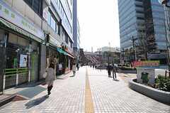 JR山手線・京浜東北線、田端駅からシェアハウスへ向かう道の様子。(2012-04-11,共用部,ENVIRONMENT,1F)