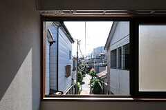 窓から見た外の景色。(201号室)(2013-05-31,専有部,ROOM,2F)