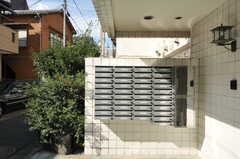 ポストは部屋ごとに用意されています。(2012-09-24,周辺環境,ENTRANCE,1F)