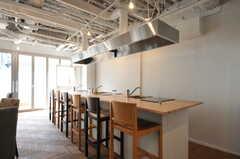 カウンター付きのキッチンです。(2012-09-24,共用部,KITCHEN,1F)