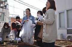 ベランダ菜園で行われた野菜の種まきイベントの様子5。(2013-02-23,共用部,PARTY,2F)