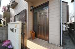 シェアハウスの正面玄関。(2014-03-12,周辺環境,ENTRANCE,1F)