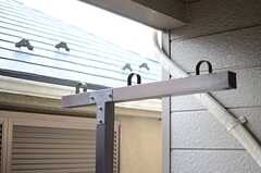 物干しができる器具が設置されています。(201号室)(2014-03-12,専有部,ROOM,2F)