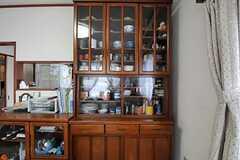 食器棚の様子。リビングにあるものは自由に使用できます。(2012-06-20,共用部,LIVINGROOM,2F)