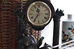 眠りを誘う時計。(2012-06-20,共用部,LIVINGROOM,2F)