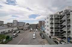 周囲に建物がなく、目線が気になりません。(301号室)(2012-06-20,専有部,ROOM,3F)