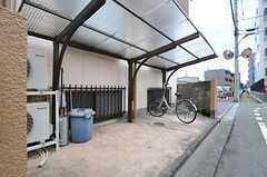 自転車置場の様子。(2012-06-20,共用部,GARAGE,1F)