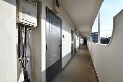 ユニットの玄関ドア。(2017-02-27,周辺環境,ENTRANCE,2F)