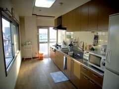 シェアハウスのキッチンの様子。(2007-12-20,共用部,KITCHEN,5F)