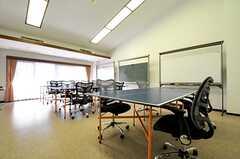 オフィスの様子。プロジェクターも設置されています。(2014-04-18,共用部,OTHER,2F)