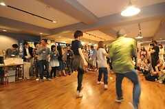 入居者によるダンスの出し物。(2014-06-07,共用部,PARTY,1F)