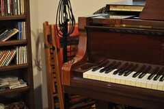 ピアノやマイクなどの楽器もあります。(2013-10-02,共用部,OTHER,2F)