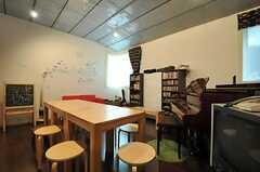カフェスペースの様子3。(2013-10-02,共用部,OTHER,2F)