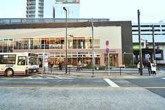 JR中央線・武蔵小金井駅直結の施設「nonowa」の様子。雑貨屋さんやコーヒーショップなどが入っています。(2017-01-19,共用部,ENVIRONMENT,1F)