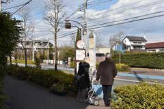 中央総武線・武蔵小金井駅行きのバス停の様子。(2017-01-30,共用部,ENVIRONMENT,1F)