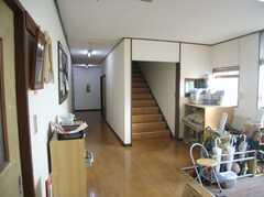 シェアハウスの内部から見た玄関周りの様子2。(2008-02-08,周辺環境,ENTRANCE,1F)