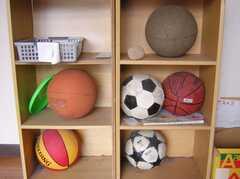 入居人数に対しては多すぎる7つのボール。もしかしてドラゴンボール?願いが叶うかも。(2008-02-08,共用部,OTHER,1F)