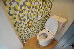ウォシュレット付きトイレの様子。(Scandinavian Style)(2013-12-24,共用部,TOILET,1F)