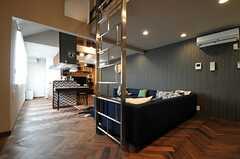 リビングの様子2。(Cafe modern Style)(2013-12-24,共用部,LIVINGROOM,2F)
