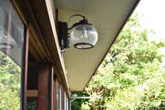 室外灯は時間によって、点灯します。(2017-05-29,共用部,OTHER,1F)
