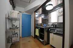 廊下の一角がキッチンです。(2014-01-14,共用部,KITCHEN,2F)