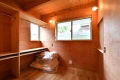 専有部の様子。部屋として貸出をしていない時期は、友人の宿泊スペースとしても使うことができるそうです。(109号室)(2019-07-05,専有部,ROOM,1F)