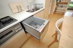 食洗機もあります。(2013-09-12,共用部,KITCHEN,4F)