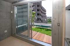 専用の庭付きです。(401号室)(2008-08-31,専有部,ROOM,4F)