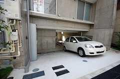 駐車場もあります。(2008-08-31,共用部,GARAGE,1F)