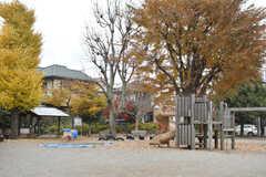 周辺には公園があります。(2017-12-04,共用部,ENVIRONMENT,1F)