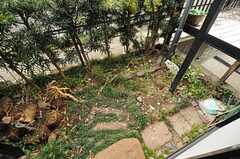 庭の様子2。(102号室)(2014-03-07,専有部,ROOM,1F)