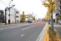 シェアハウスの前の道は大通りです。(2016-12-12,共用部,ENVIRONMENT,1F)