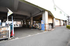 小田急線・和泉多摩川駅前のスーパー。(2016-12-12,共用部,ENVIRONMENT,1F)