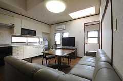 シェアハウスのリビングの様子。(2011-04-28,共用部,LIVINGROOM,2F)