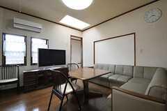 シェアハウスのリビングの様子2。(2011-04-28,共用部,LIVINGROOM,2F)