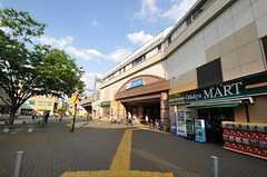 小田急線喜多見駅の様子。(2011-04-28,共用部,ENVIRONMENT,1F)