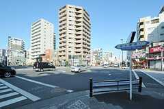 各線・森下駅前の交差点の様子。(2013-01-25,共用部,ENVIRONMENT,1F)