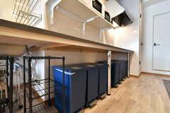 IHクッキングヒーターの下部はゴミ箱が設置されています。(2019-01-29,共用部,KITCHEN,2F)