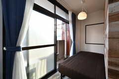 窓の先はベランダです。(504号室)(2019-01-29,専有部,ROOM,5F)